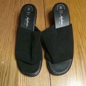 Womens size 8 sandals